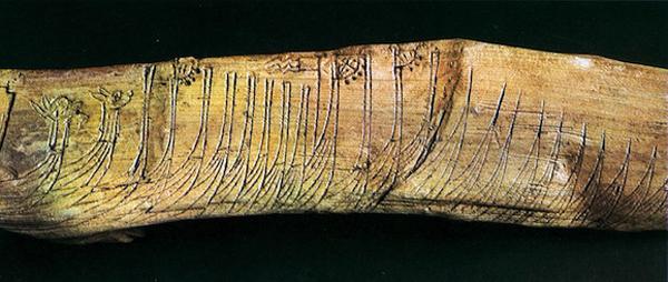 flot-vikingov-flotte-nordique-gravee-na-dereve-18-sm