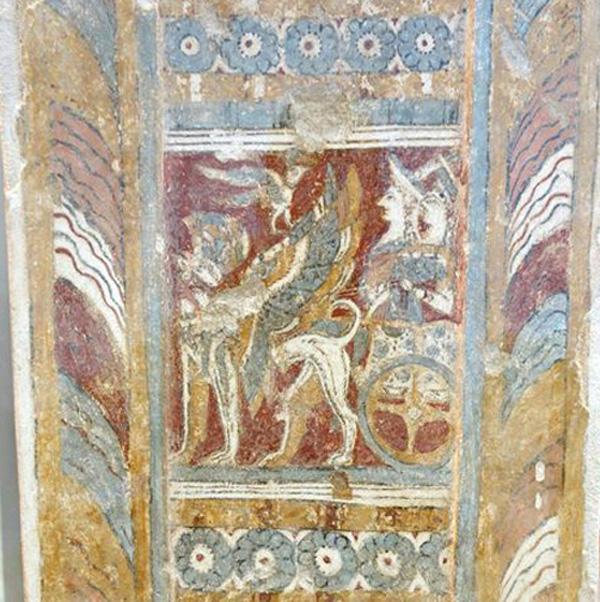 freska-zhertvoprinosh-grifon-v-kolesnice-na-sarkofage