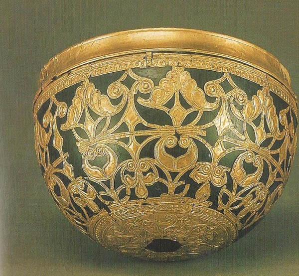 schwarzenback-bowl-mozel-bogatyx-pogrebenij-zap-germaniya