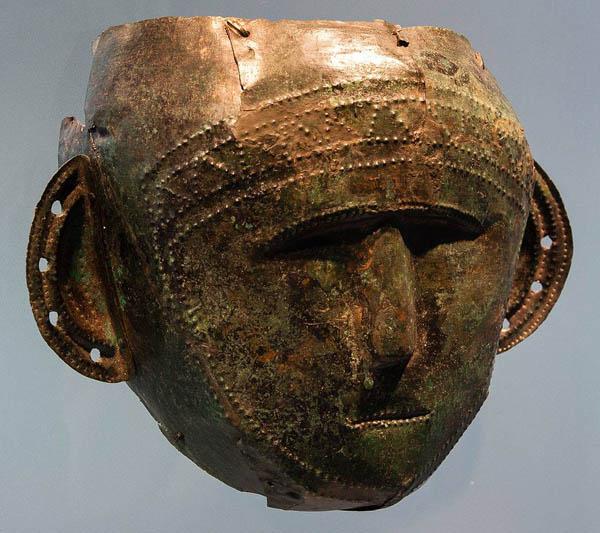 galdshtat-kelty-maska-cultura-di-hallstatt-750-450-a-c