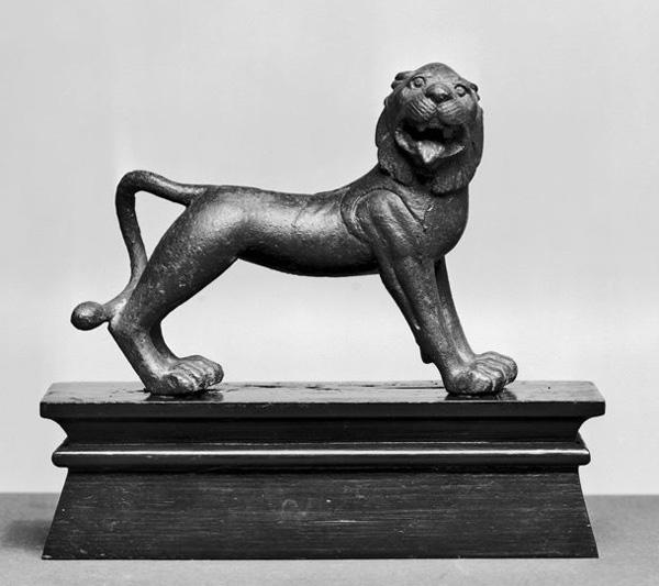 Этрусская бронза лев