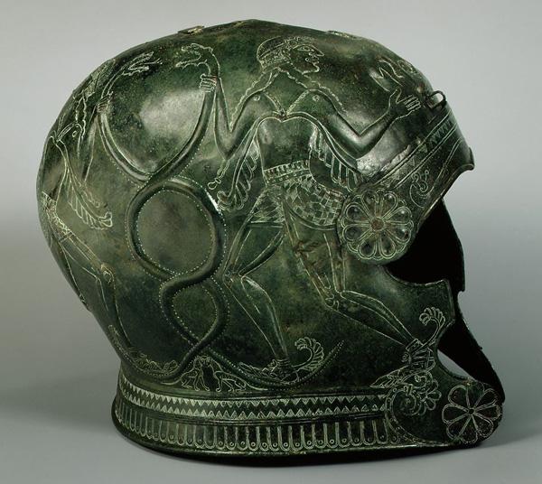 апи-воин-шлем