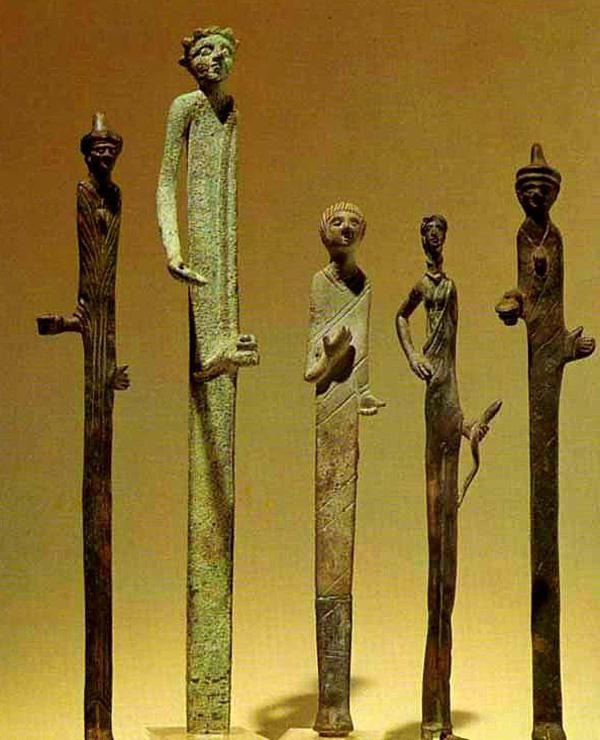Этрусские бронзовые статуэтки богов похожи на изваяние Шигирского идола