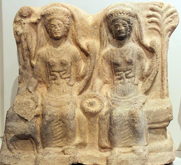 боги-Apulu и Artumes Черветере, 4 век до н.э.