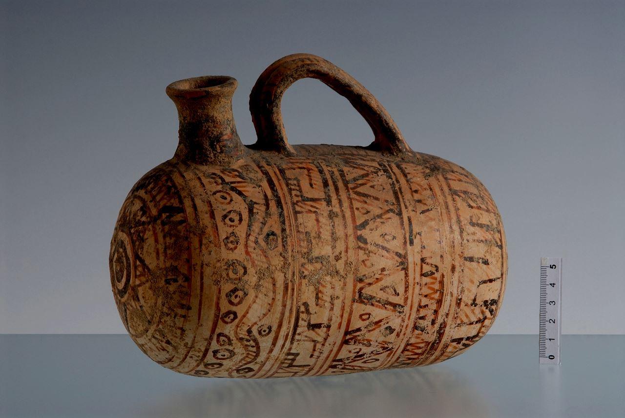 геометрический узор -730-700 гг. до н.э.-аскос-фляга