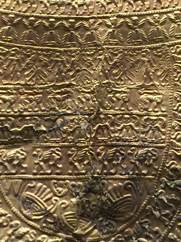 золотая гривна - апи и сфинксы
