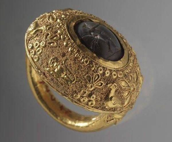 золот.кольцо -курочка - зернь - 4 в до н.э.
