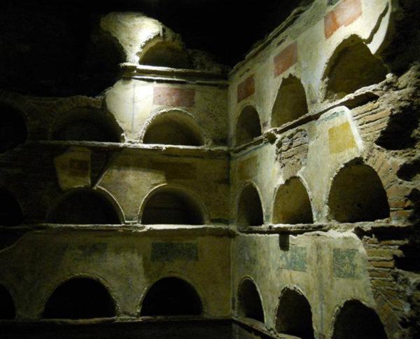 kurgan-vnutri-grobnicy-i-prax