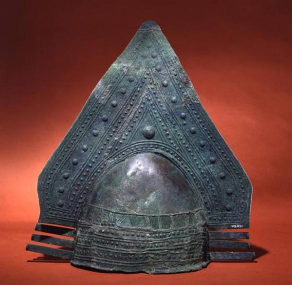 щлем-8в до н.э. -этрус-шлем
