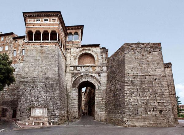 01-Этрусская стена в Перудже