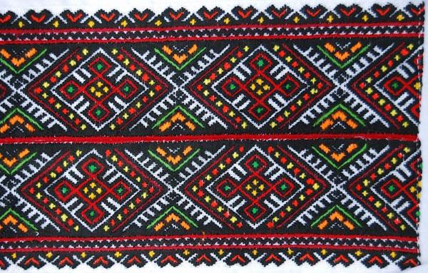 Древнерусские резы сохранились в вышивке